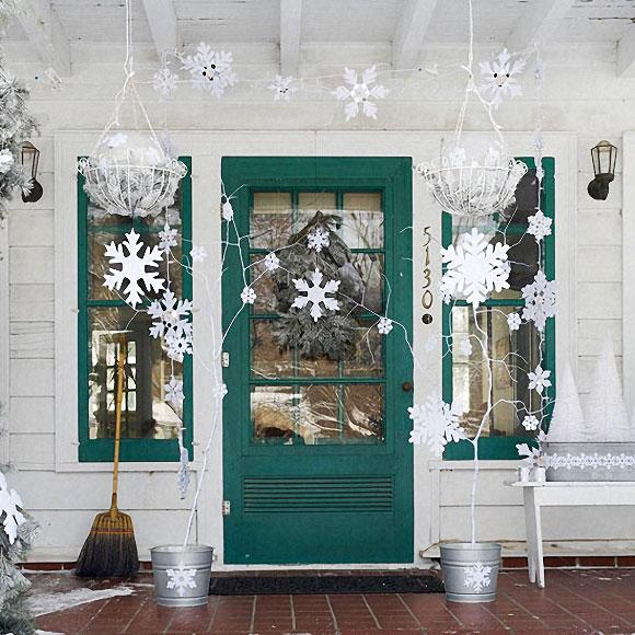Новогодние украшения на входную дверь своими руками