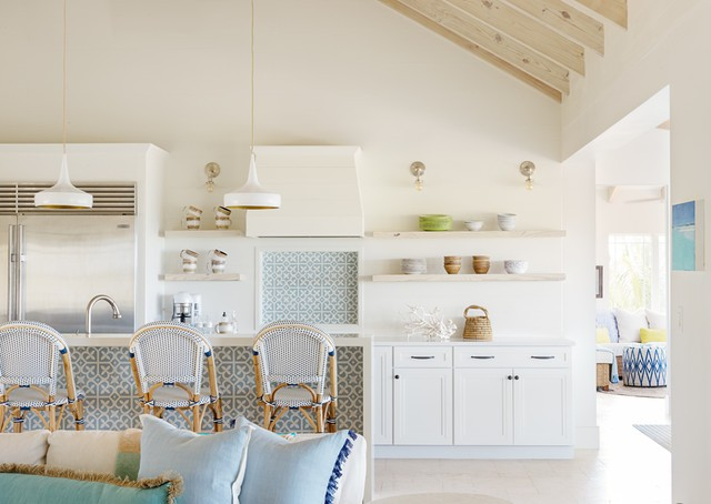 Интерьер кухни в пляжном стиле