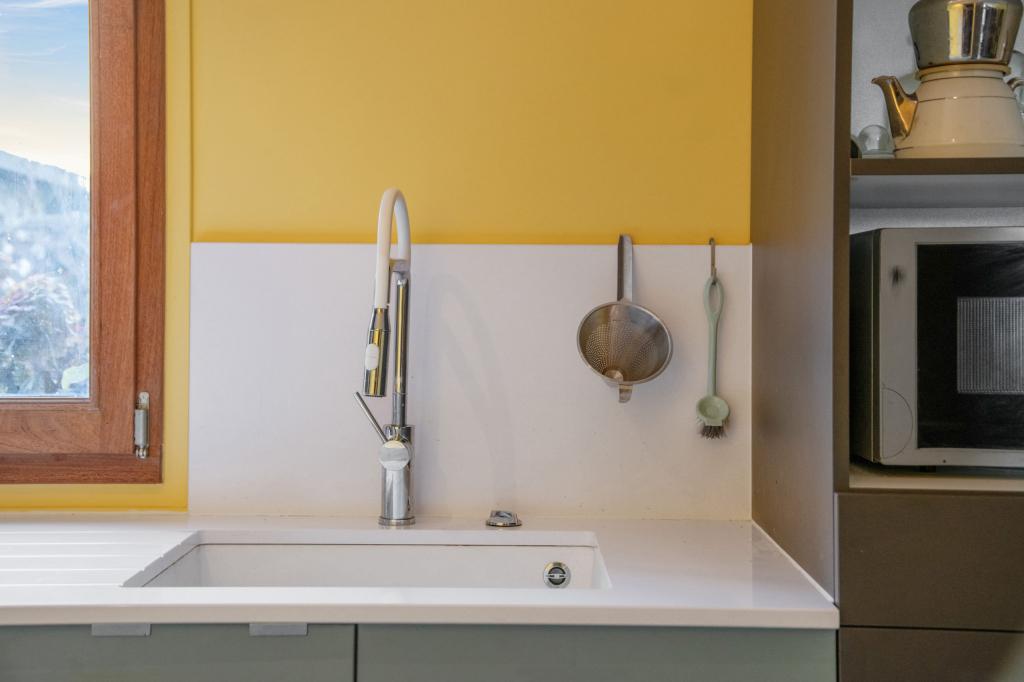 6 стильных способов использовать желтый цвет в интерьере кухни