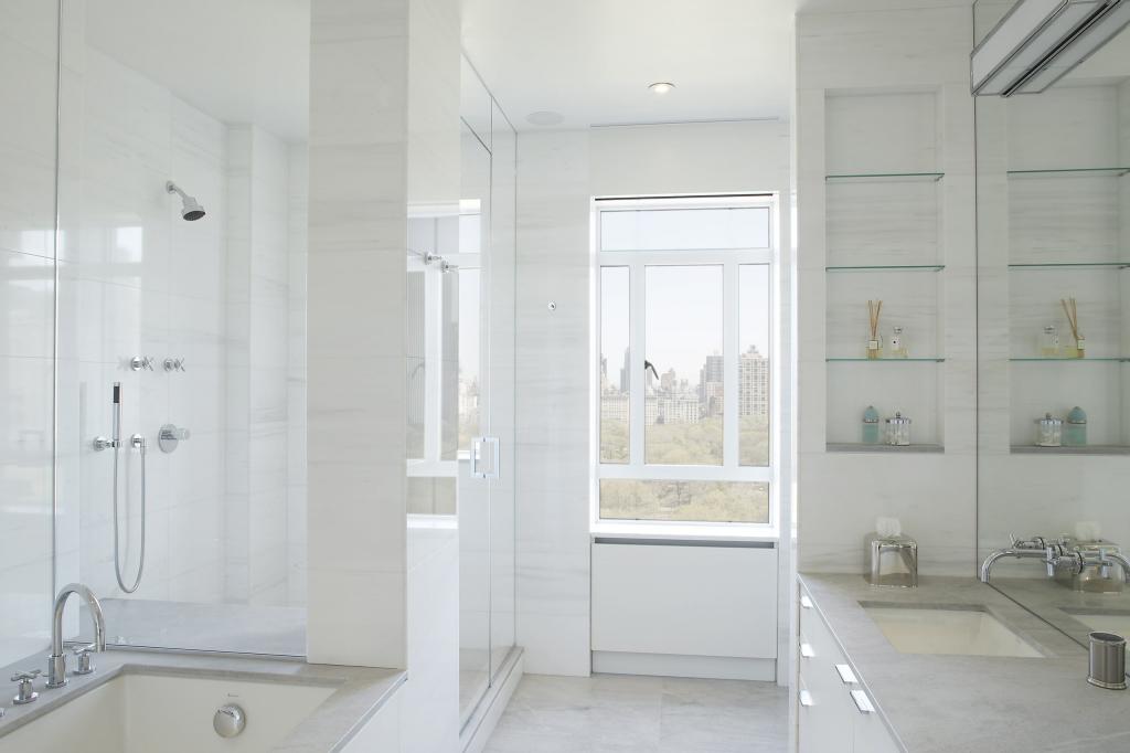 Приемы, которые позволят сделать ванную больше
